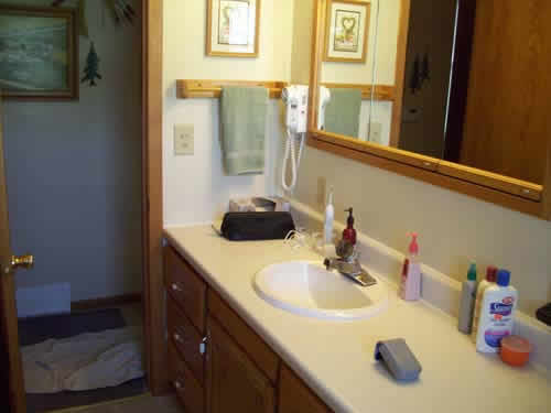 Bathroom project rebuilds and earns money at a home in Waterloo, IA.